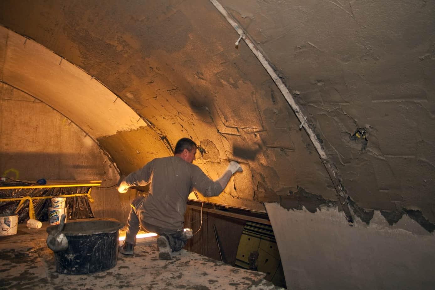 Nell'intervento delle gallerie sotterranee sono stati utilizzati diversi prodotti Mapei per il calcestruzzo: il ripristino di alcune sezioni con Mapegrout Tissotropico