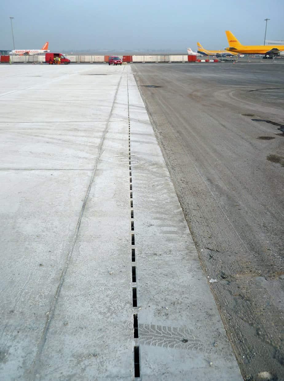 I canali Recyfix® Hicap® nell'aeroporto Saint Exupéry, in Francia