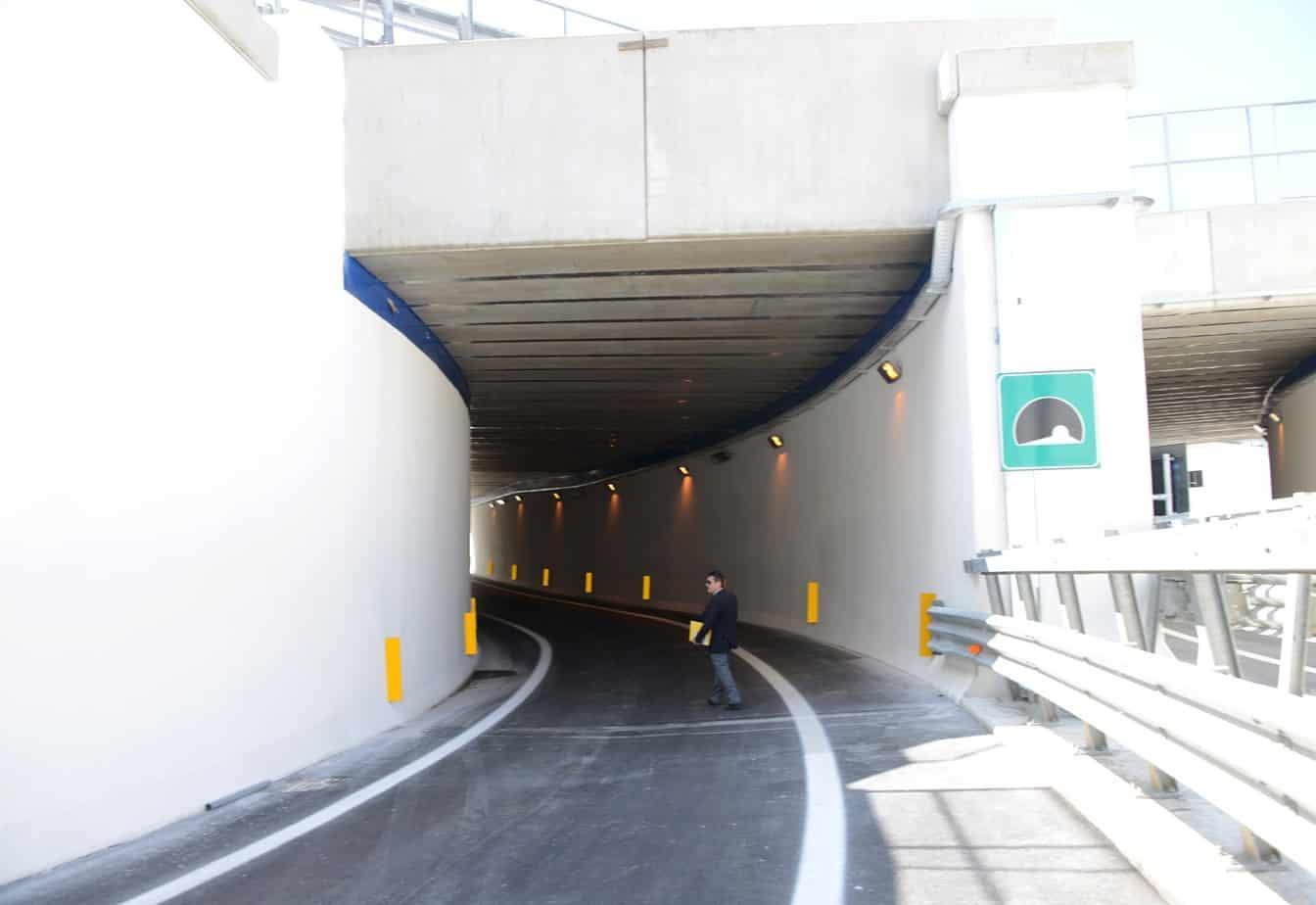 Le superfici trattate sono le pareti verticali interne su tutti gli svincoli e nei sottopassi
