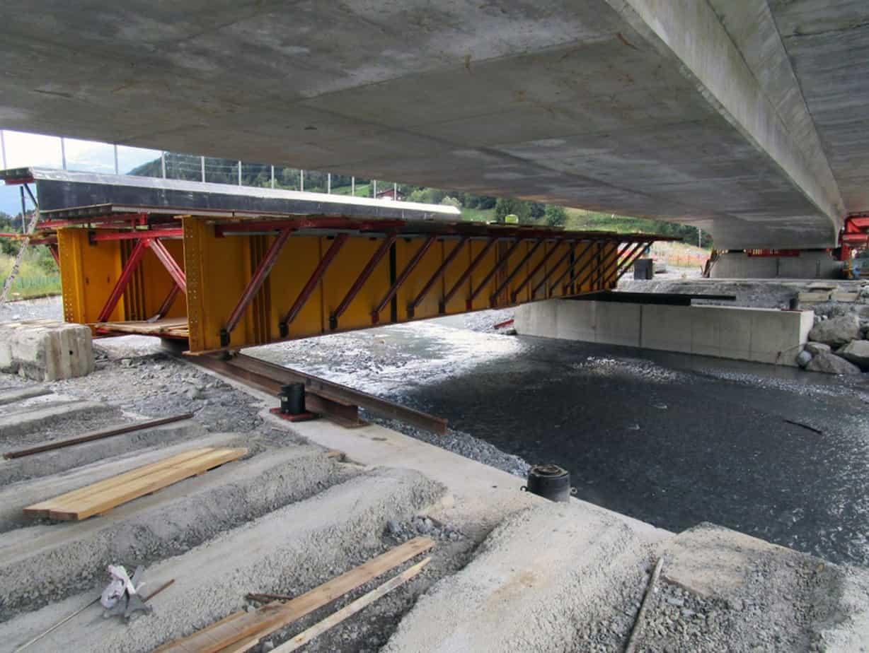 Gli elementi di armatura per i getti del ponte