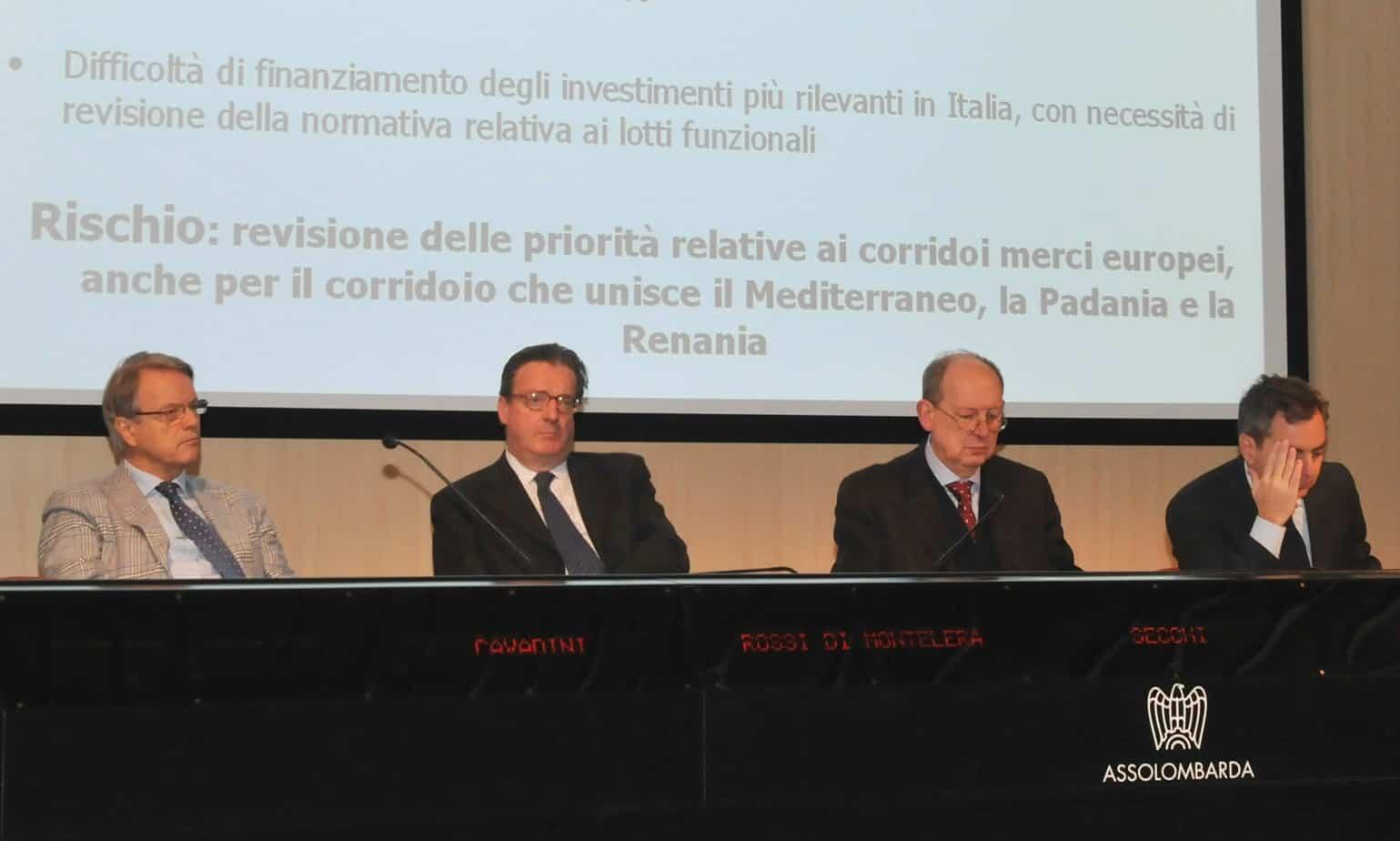 Il tavolo dei Relatori (da sinistra: Adriano Cavadini, Luigi Rossi di Montelera, Carlo Secchi e Dario Scannapieco)