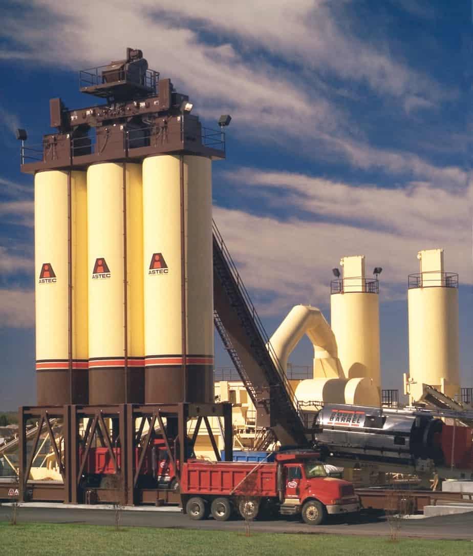 Una foto dell'impianto Astec dotato di tecnologia Drum Patch Plants