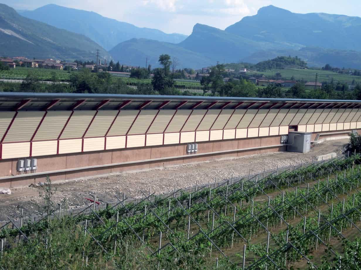 Una panoramica sul retro barriera in fase di ultimazione lavori