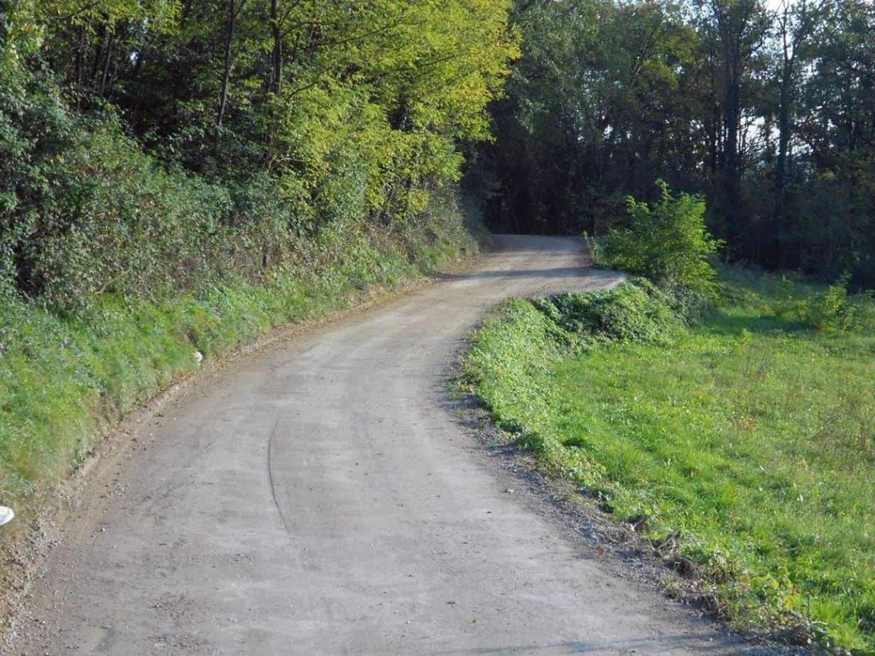 Una strada carrabile di montagna realizzata con Soil Sement