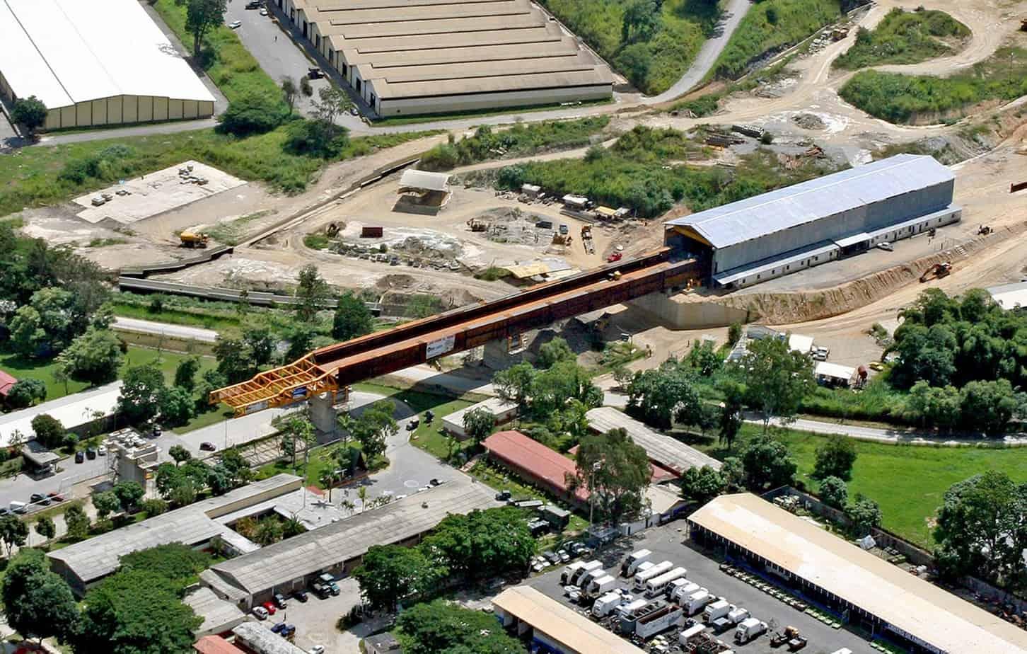 Il viadotto ferroviario V1-1 ad inizio spinta