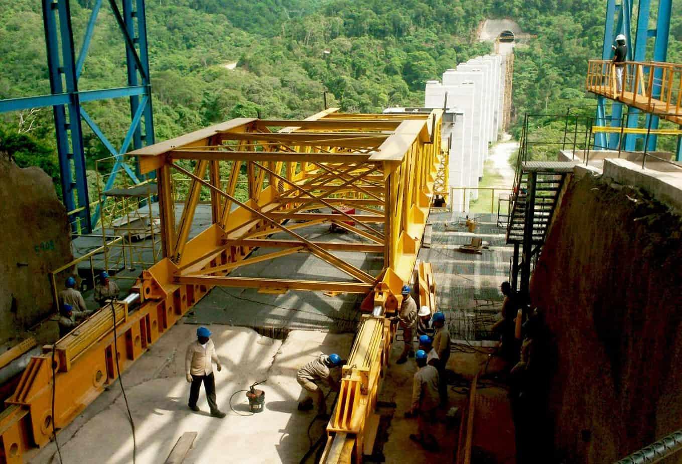 L'area ricavata sulla spalla per il varo del viadotto C2-1