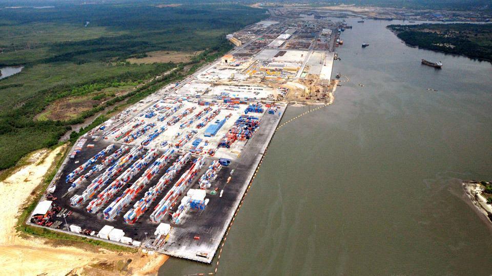 Il porto di Onne in Nigeria