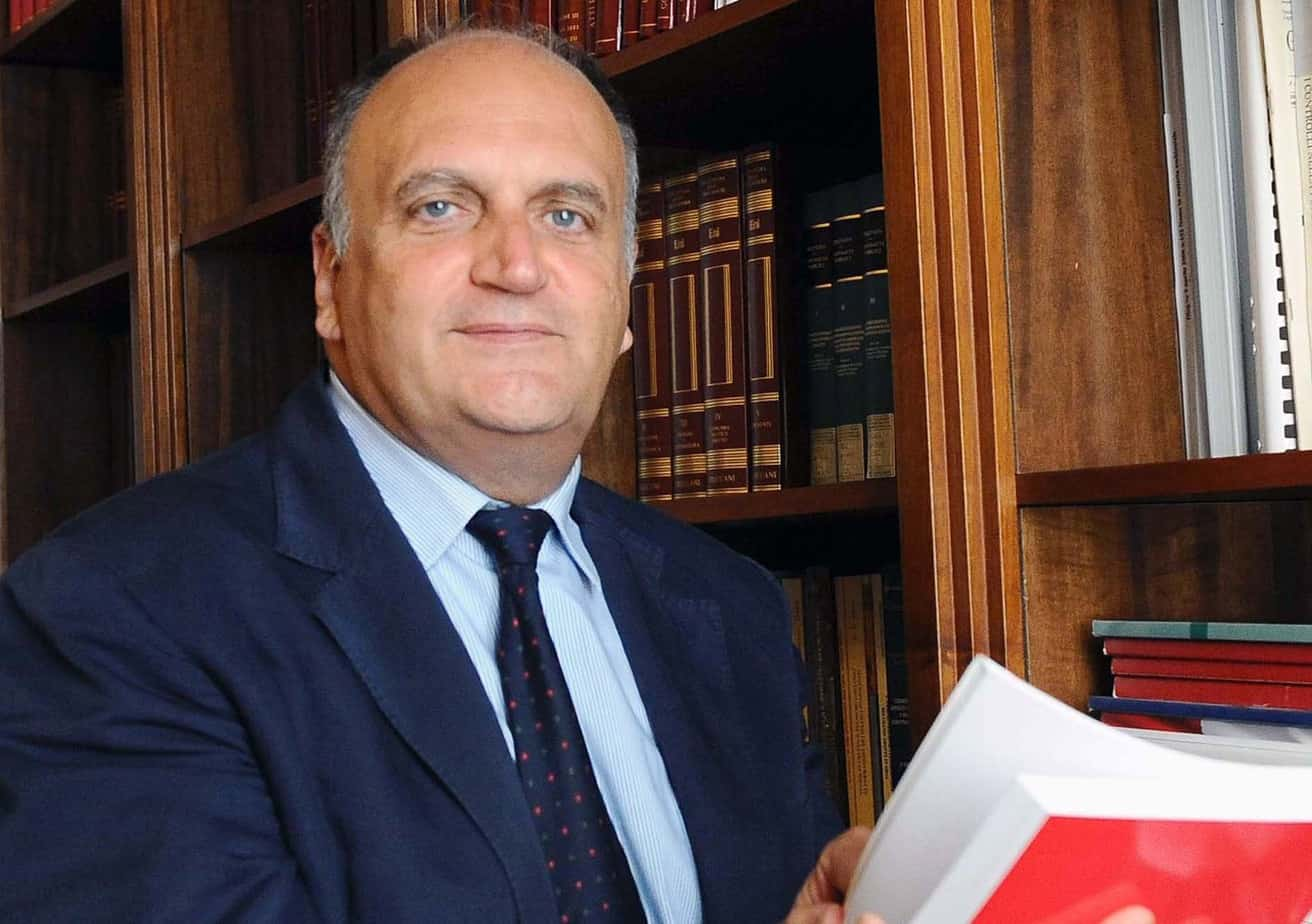 Il Prof. Sergio Santoro, Presidente dell'Autorità per la Vigilanza sui Contratti pubblici di lavori, servizi e forniture