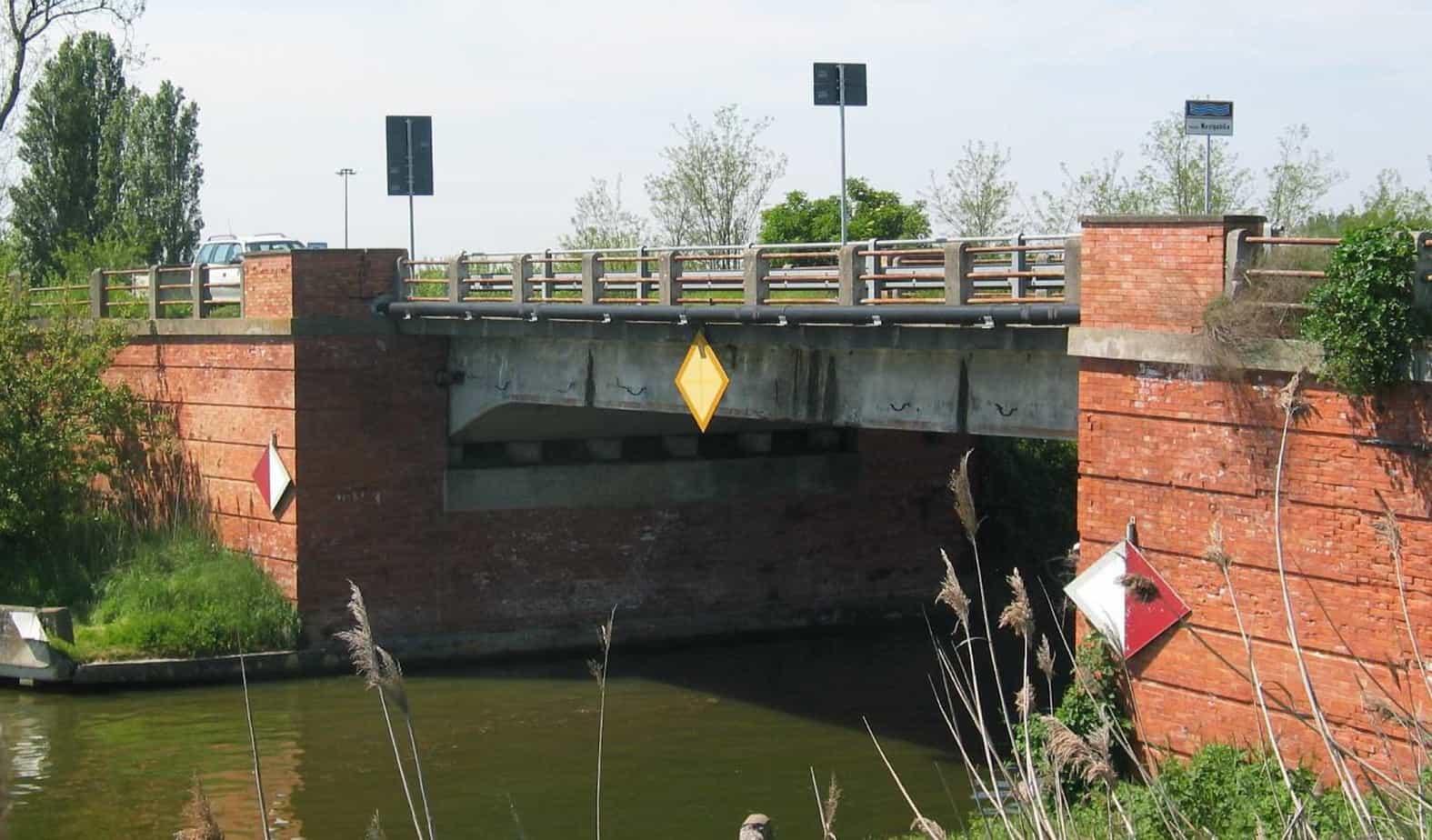 L'attuale ponte di Ostellato
