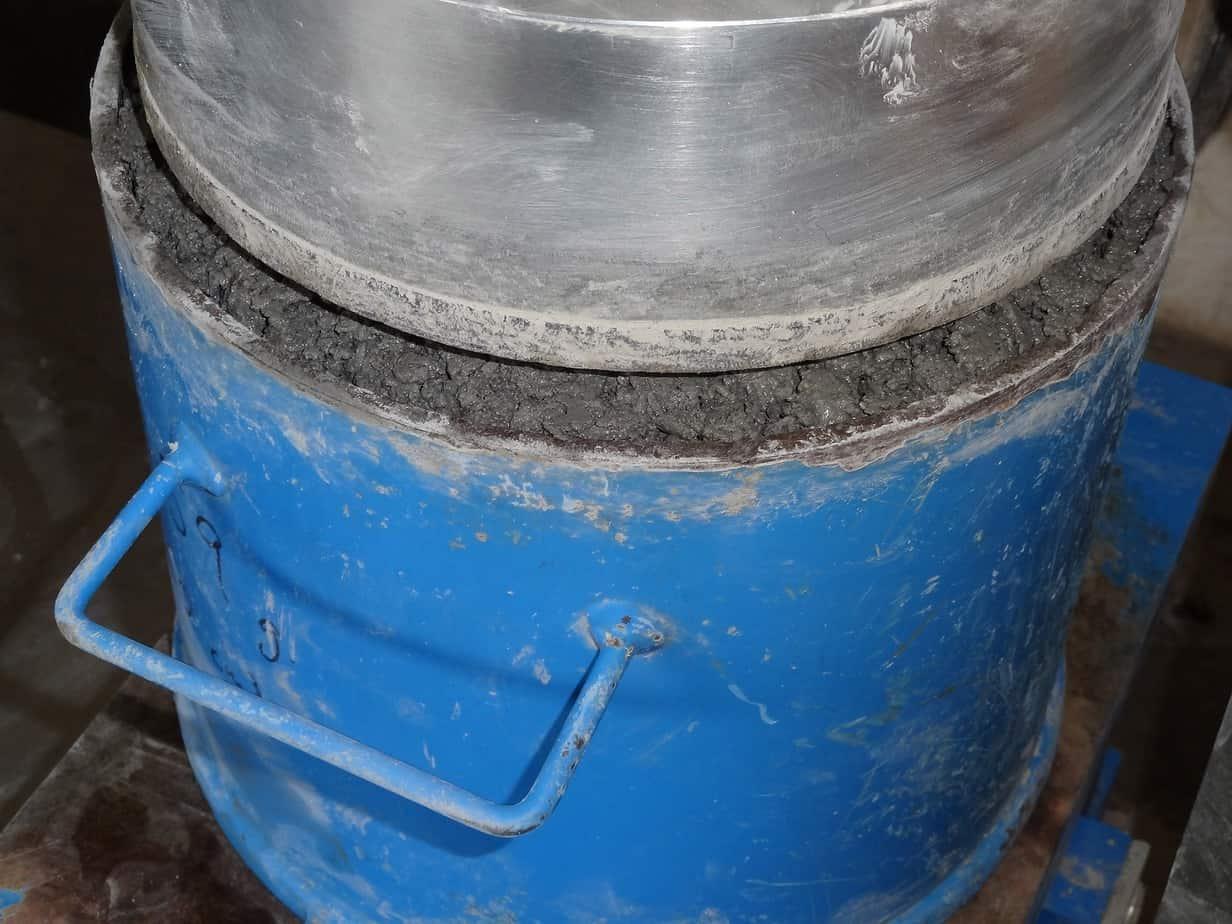 La confezione in laboratorio di calcestruzzi sperimentali (prova Vebè)