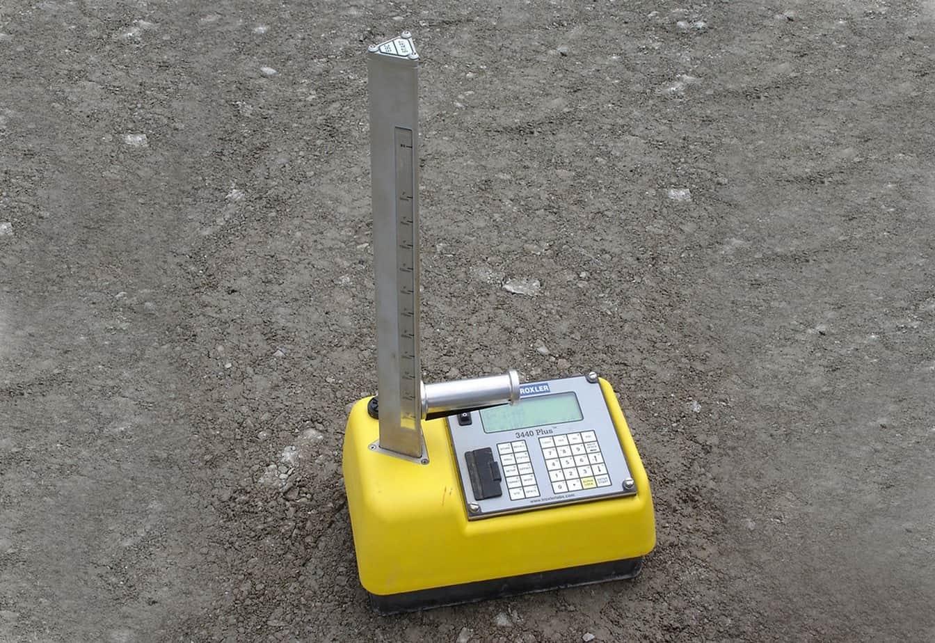 Le verifiche effettuate presso il campo prova e il controllo di qualità durante la costruzione (fase della misura della densità in sito)