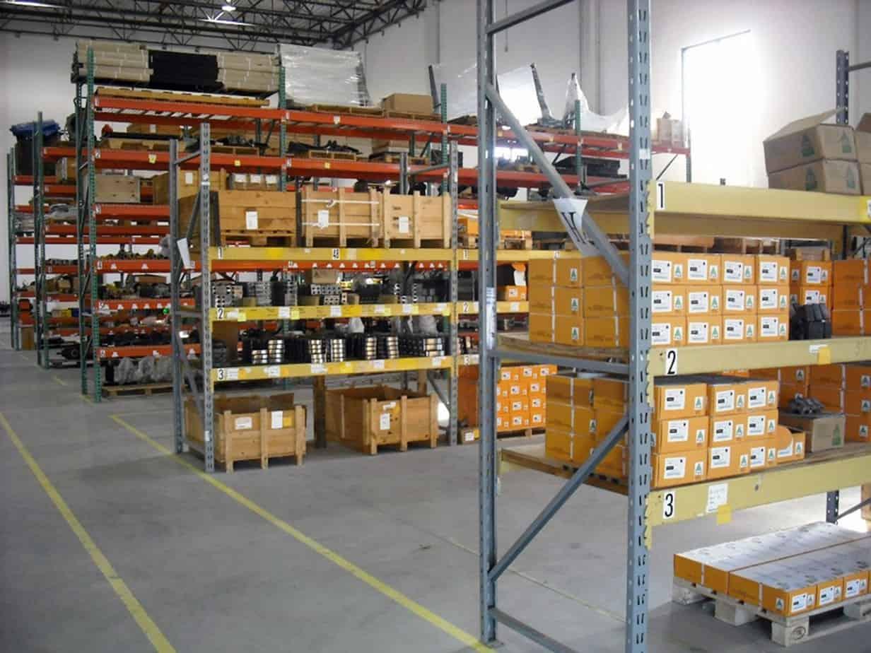 Il magazzino (di 600 m2) presso la filiale FAE France a Lione