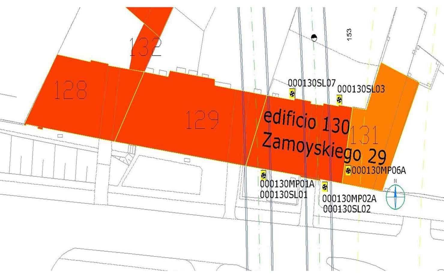 La rappresentazione di cedimenti/tempo dell'edifico 130, Zamoyskiego 29