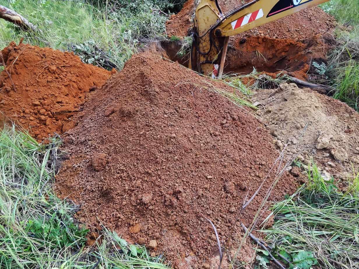 Saggio con escavatore al km 382+050 (Test Pit 1 RHS)