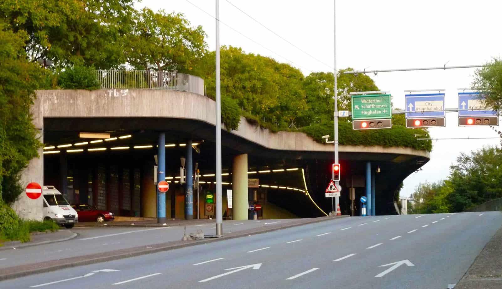 La galleria di sicurezza del tunnel Milchbuck