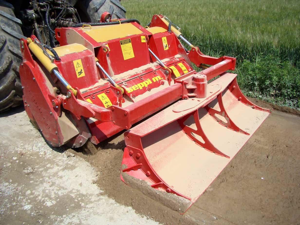 La Multiforst è disponibile nelle misure di lavoro 200, 225 e 250 cm