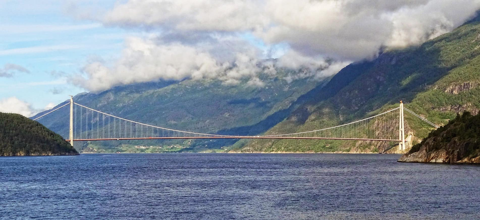 Il ponte di Hardanger, sull'omonimo fiordo