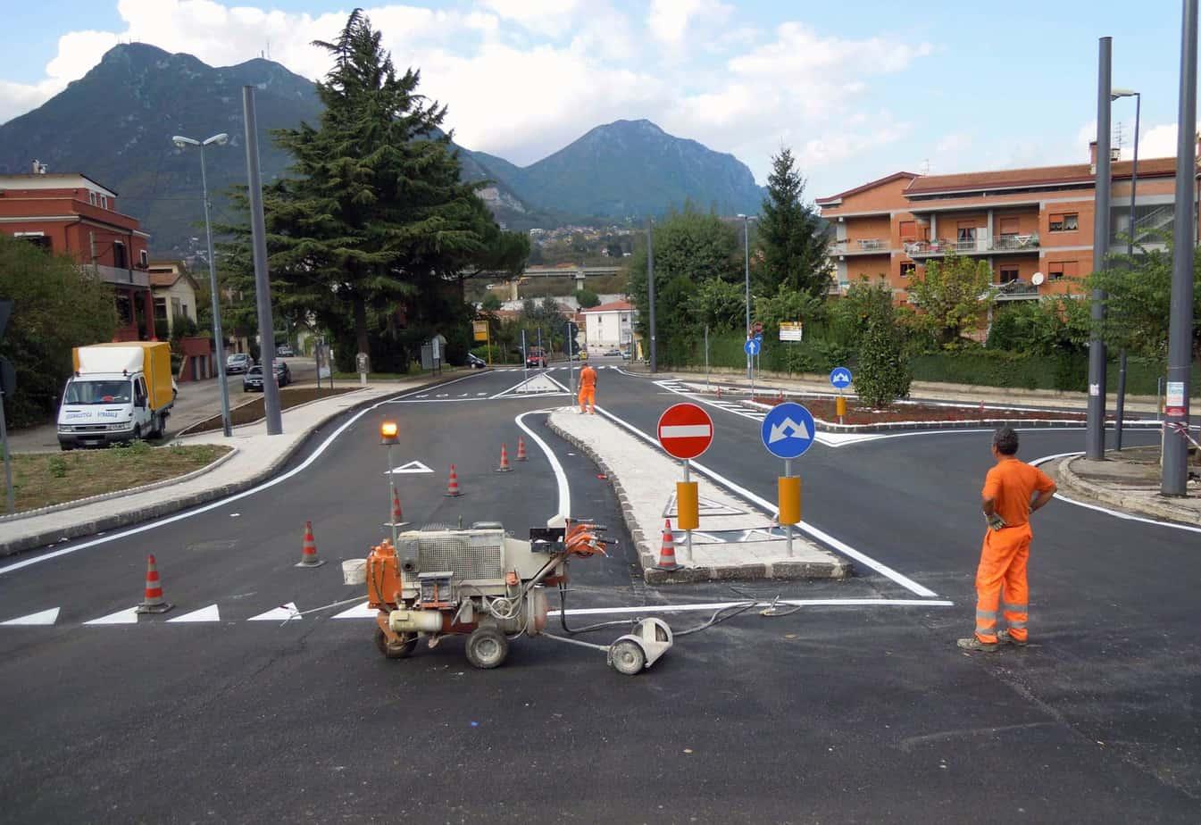 Sono pochi gli Enti proprietari di strade che si sono dotati del progetto di segnaletica previsto dall'art. 77 c. 2 Reg.