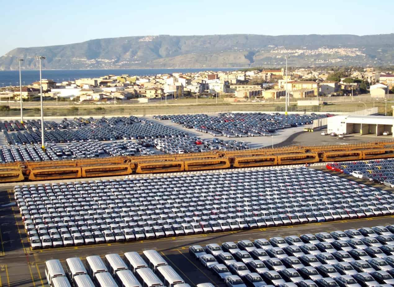 Un particolare delle banchine gestite dalla Società Medcenter Container Terminal, che fa parte del Gruppo Contship