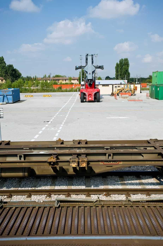 Il terminal intermodale bolognese, con la movimentazione dei container