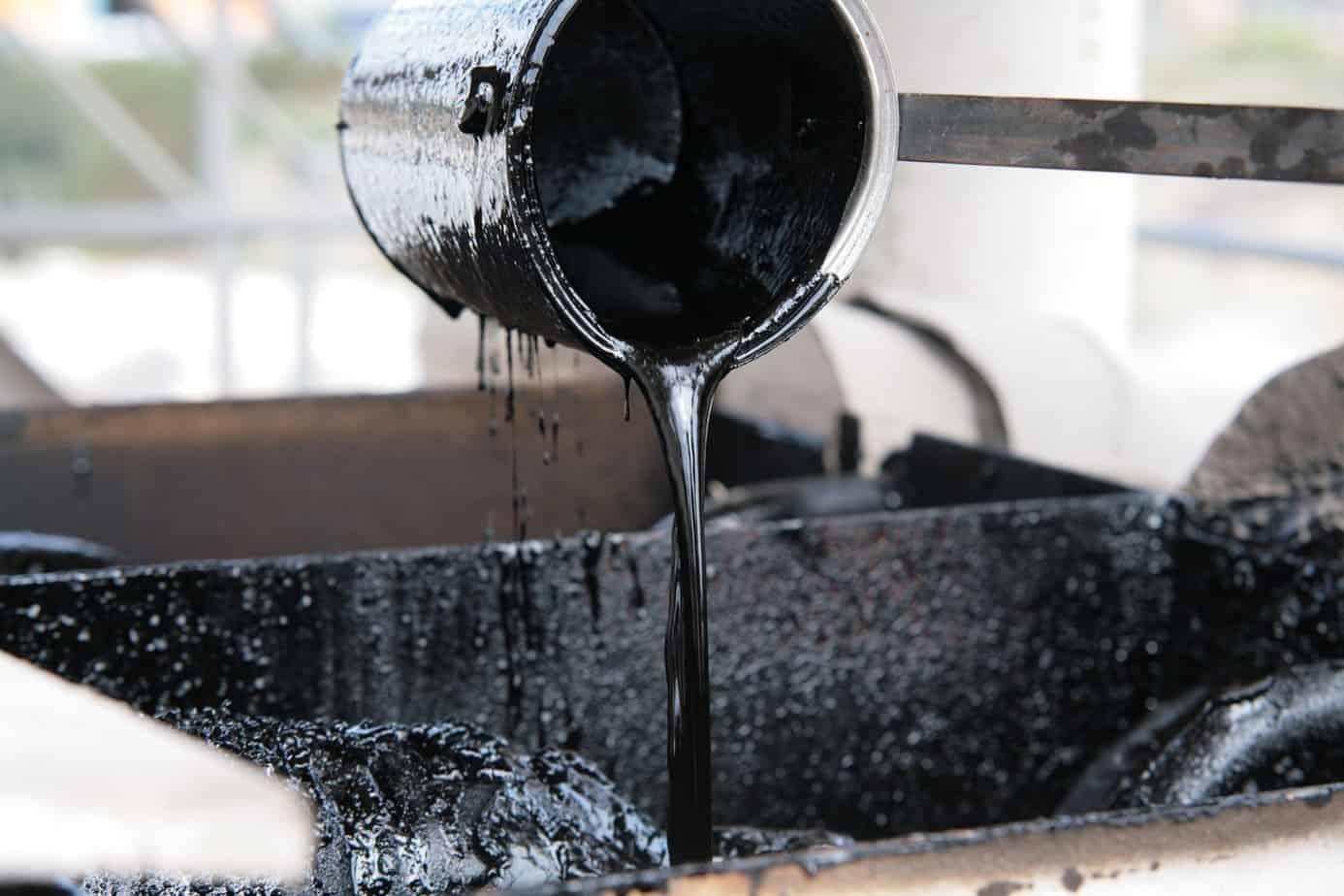 L'aggiunta di polverino di gomma migliora le caratteristiche reologiche del bitume, consentendo minori emissioni sonore e maggiore durata della pavimentazione