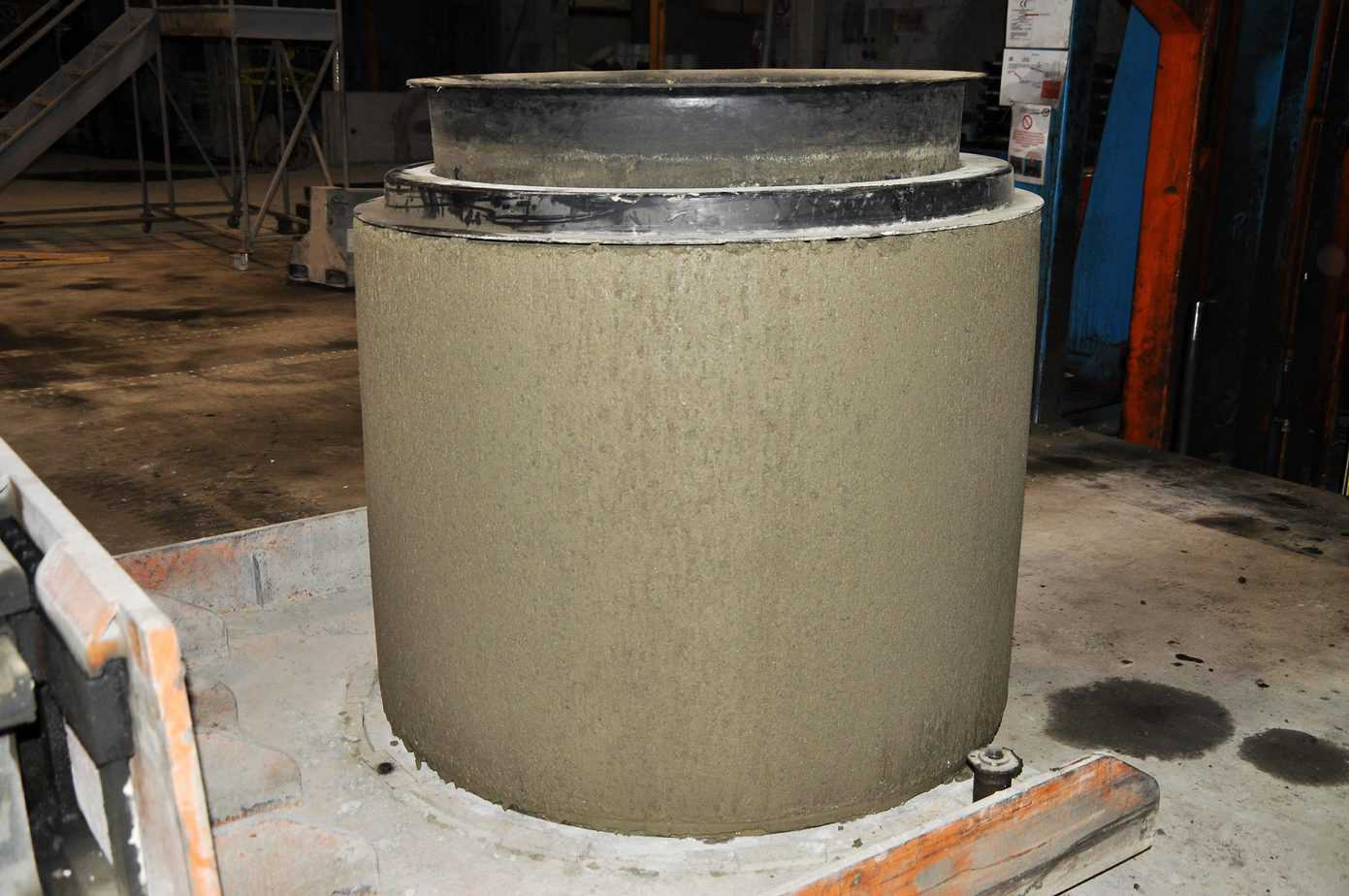 Un tubo realizzato con calcestruzzo in consistenza umida confezionato con legante Next Binder
