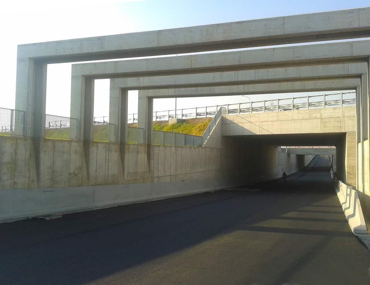 Sottopasso tipico (opera integrata di attraversamento di autostrada e ferrovia)