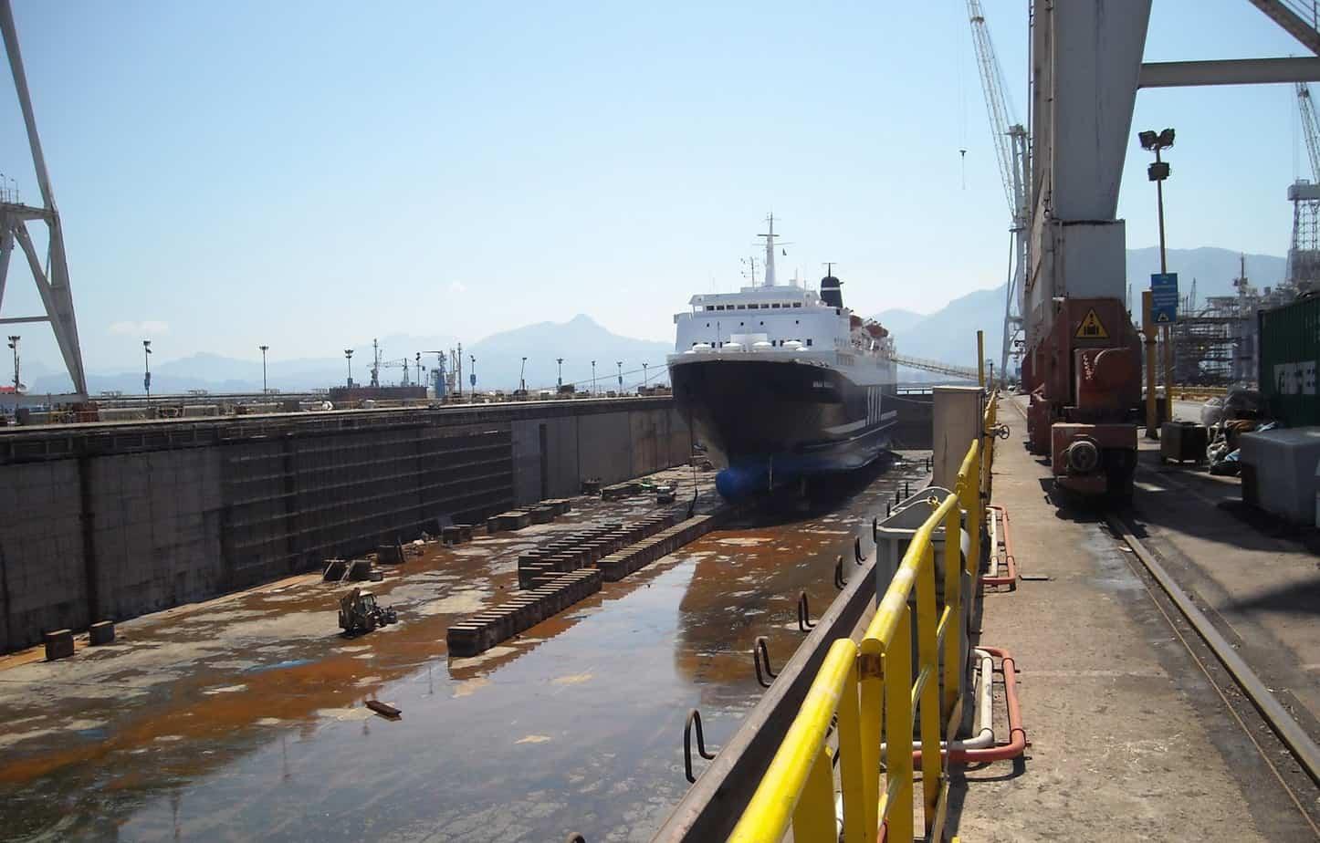 Sul Mediterraneo si affacciano e operano Paesi comunitari e Paesi non comunitari con esigenze e Normative di settore diverse