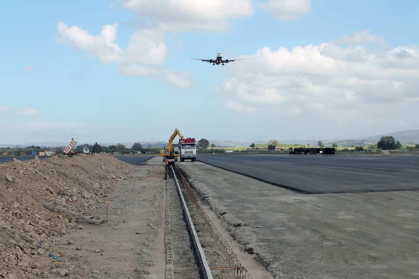 Il completamento dell'installazione dei canali Hauraton all'aeroporto Sant'Eufemia di Lamezia Terme