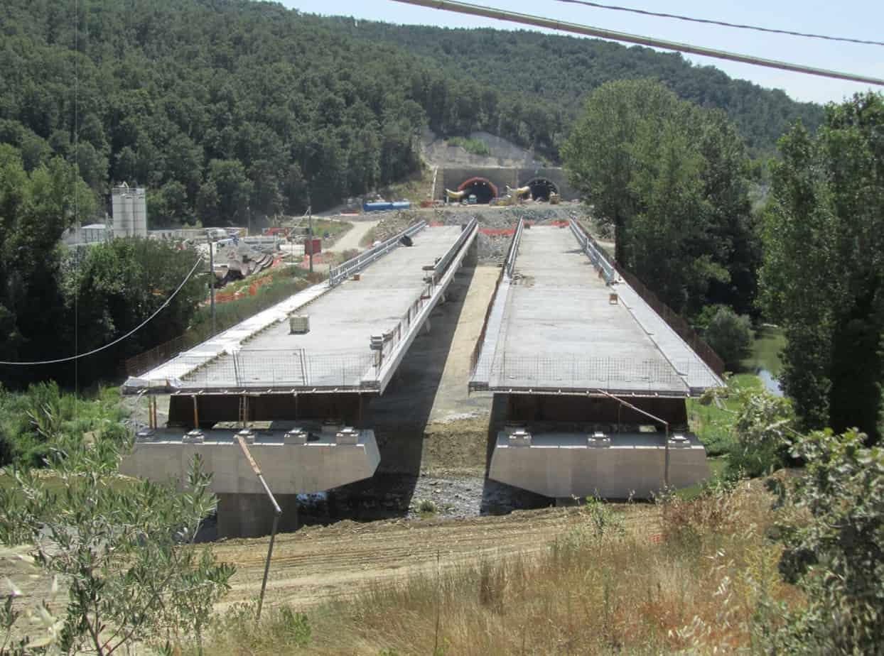 Il viadotto Chiascio II (PG), sulla S.S. 318