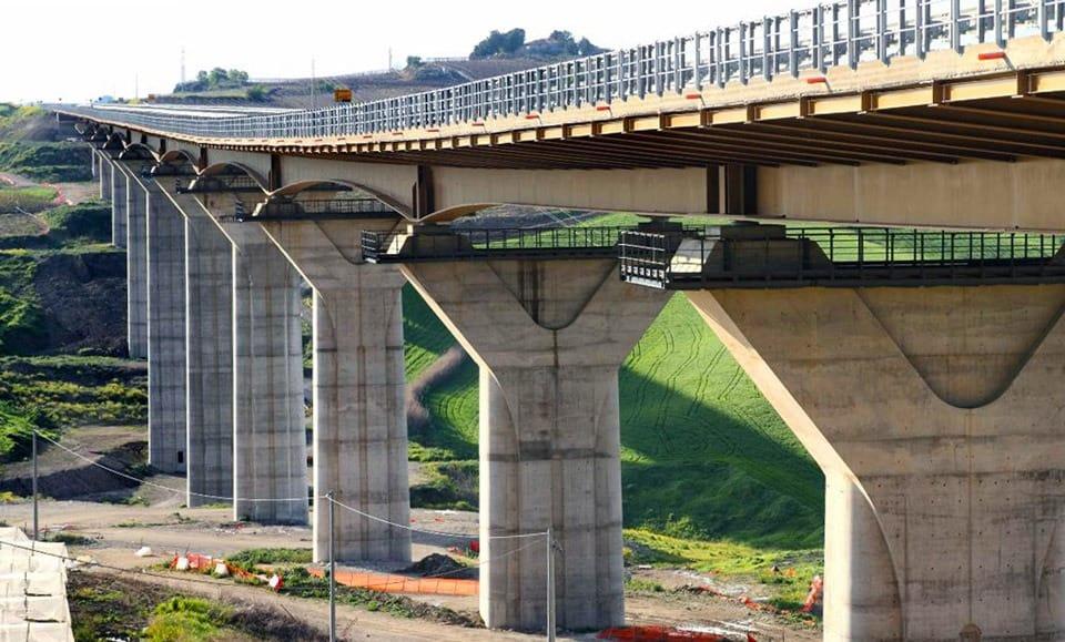 """S.S. 640 """"di Porto Empedocle"""": il viadotto Serra Cazzola 1"""