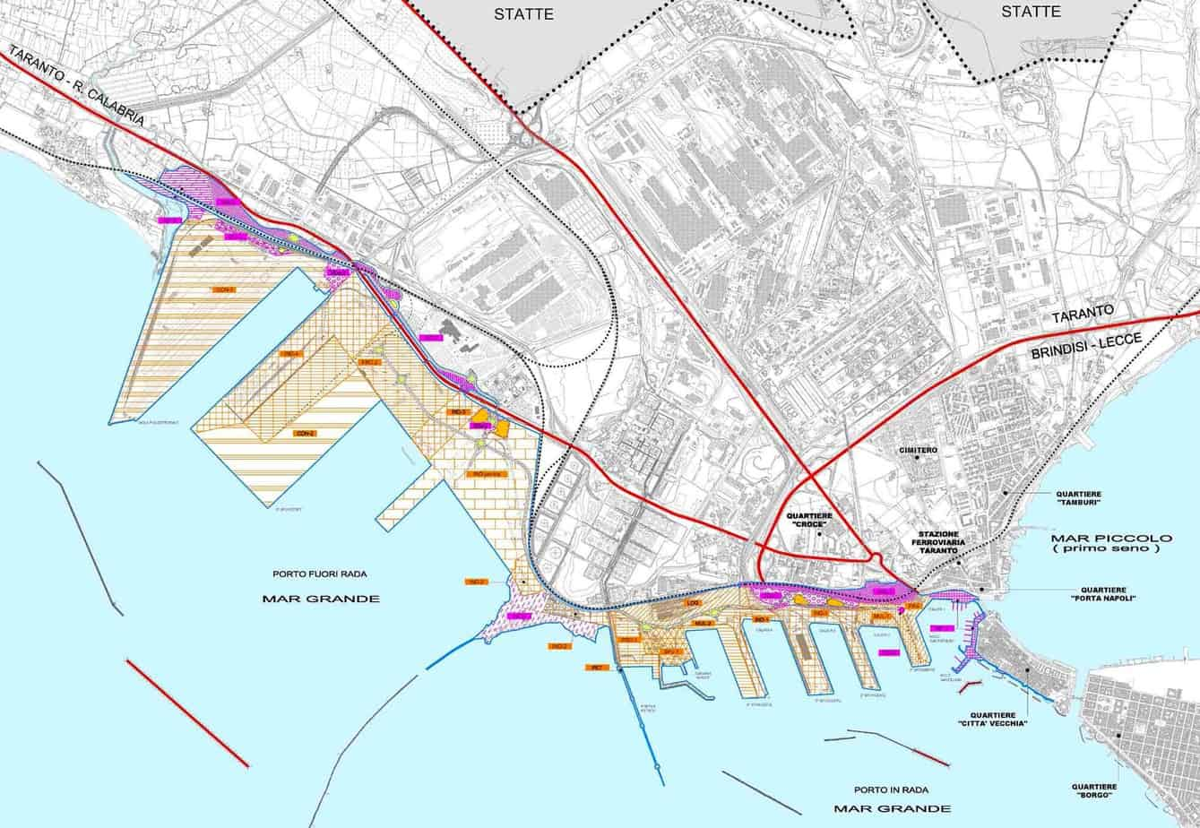 Una panoramica delle opere previste per il porto di Taranto. A sinistra è visibile il nuovo Molo Polisettoriale e, subito a destra, il nuovo terminal contenitori del Quinto Sporgente