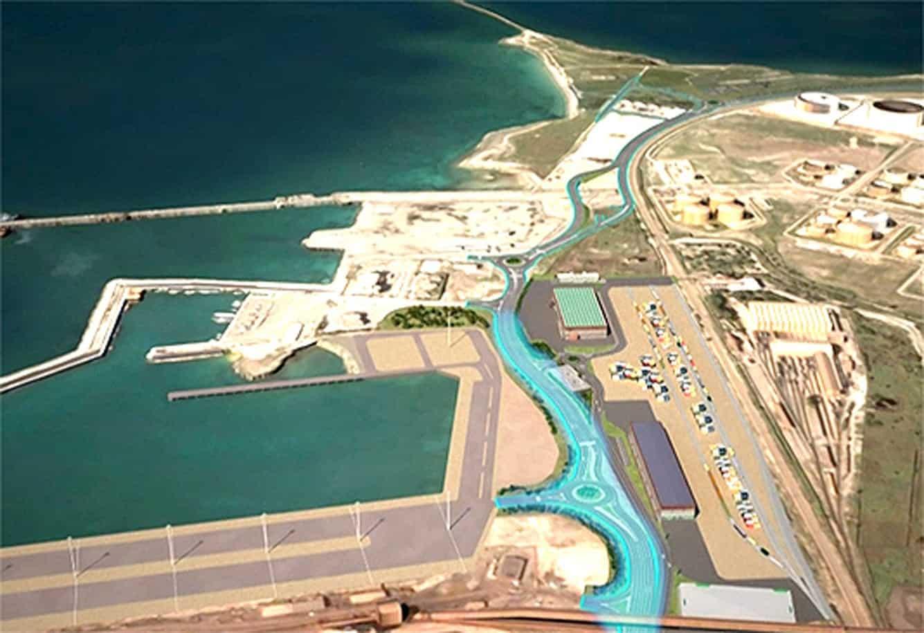 La strada dei moli, fondamentale per garantire un'adeguata connessione tra il porto e la rete stradale e autostradale