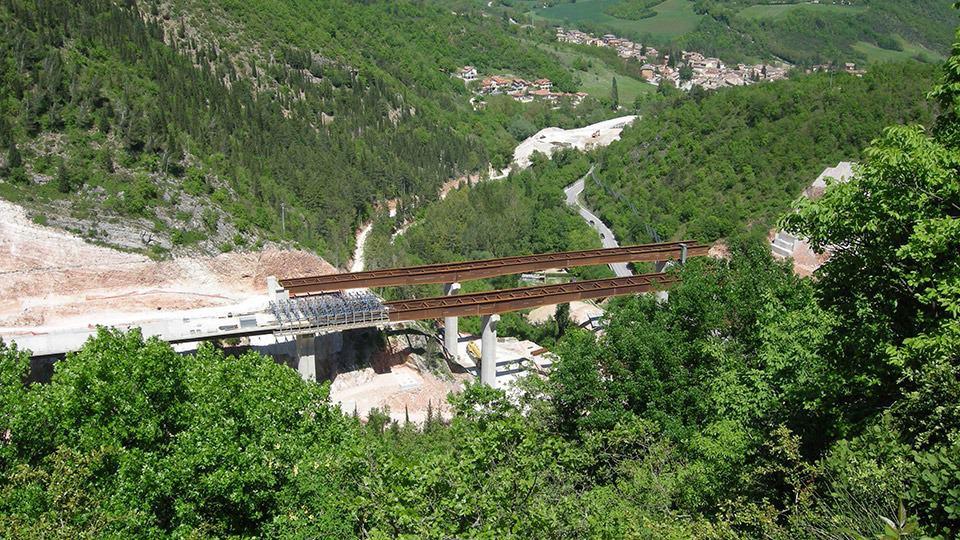 Viadotti nella Valle del Chienti con impalcati gettati in opera