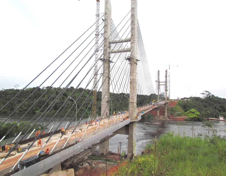 Una vista dell'antenna del ponte