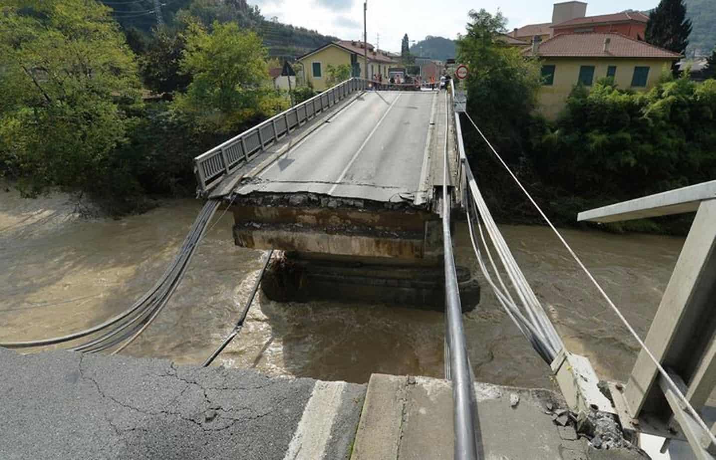 Il ponte crollato