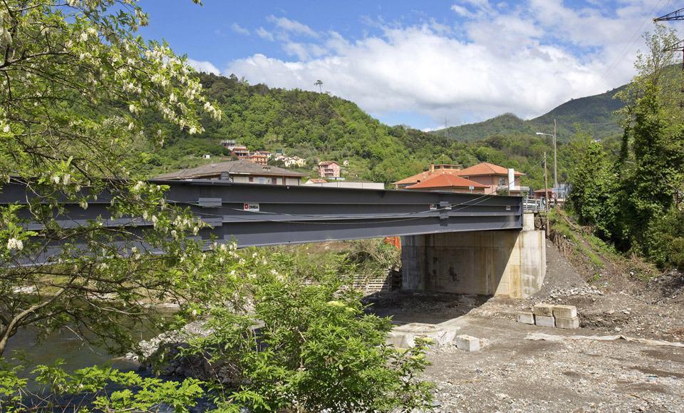 Il ponte per la SP 225 a Carasco nel Levante genovese