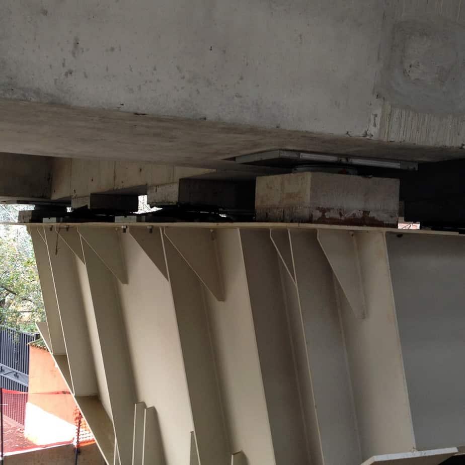 I dispositivi trasversali del viadotto Dell'Osa