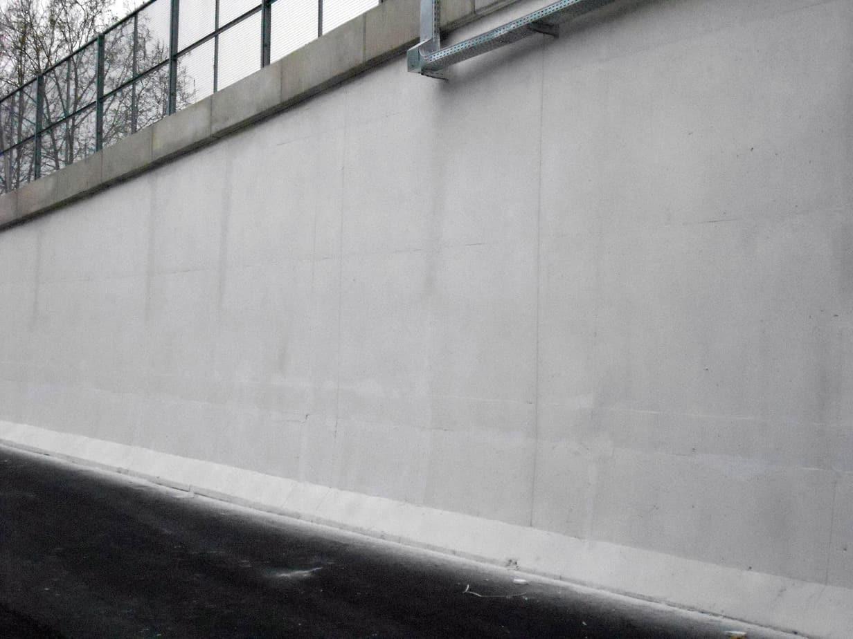Una parete del viadotto trattata con i.active COAT