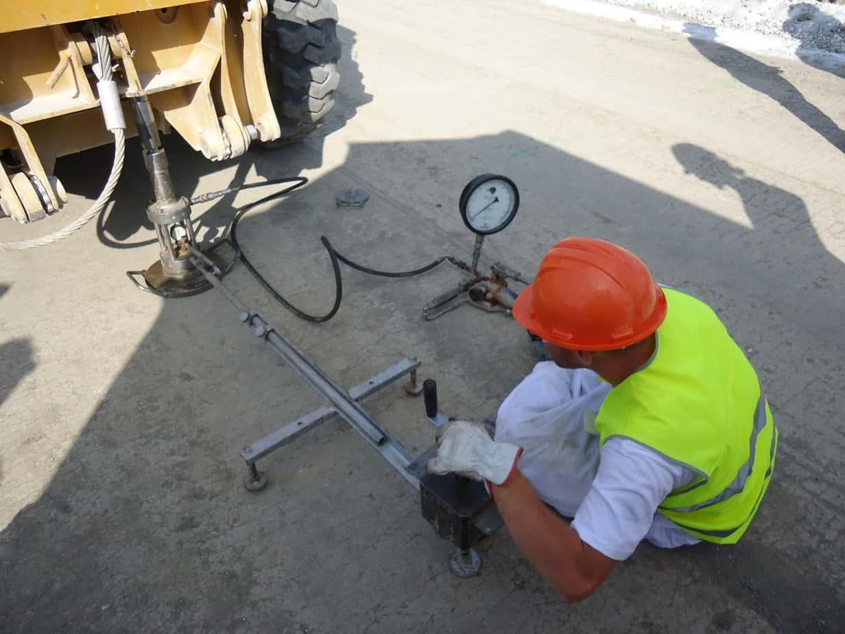 L'esecuzione di prova di carico su piastra per la misura del Modulo Md