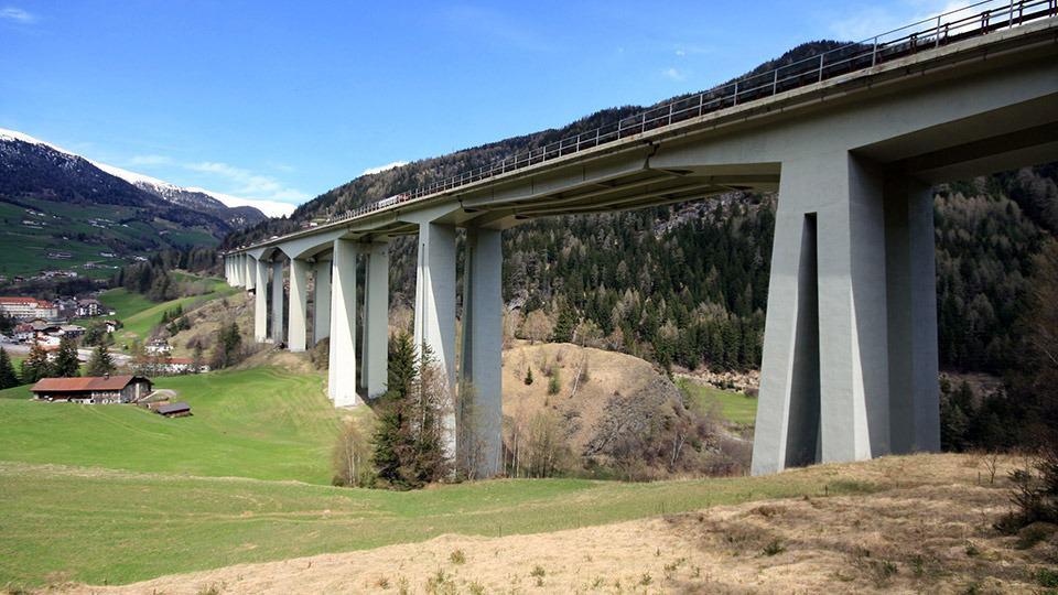 Rinforzo strutturale dell'impalcato del viadotto Colle Isarco