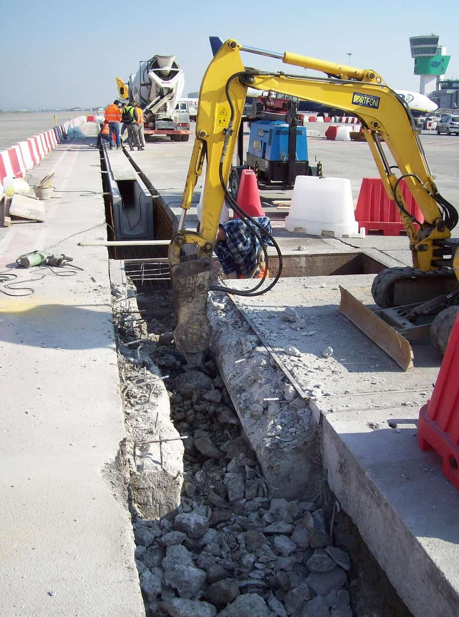 La demolizione e la sostituzione dei fognoli
