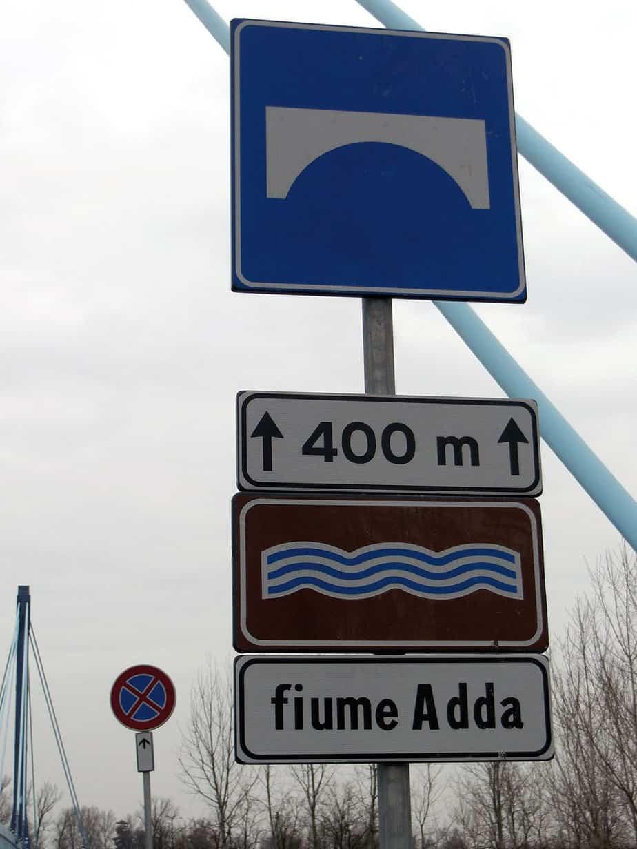 Il ponte ha un'estesa complessiva di 400m