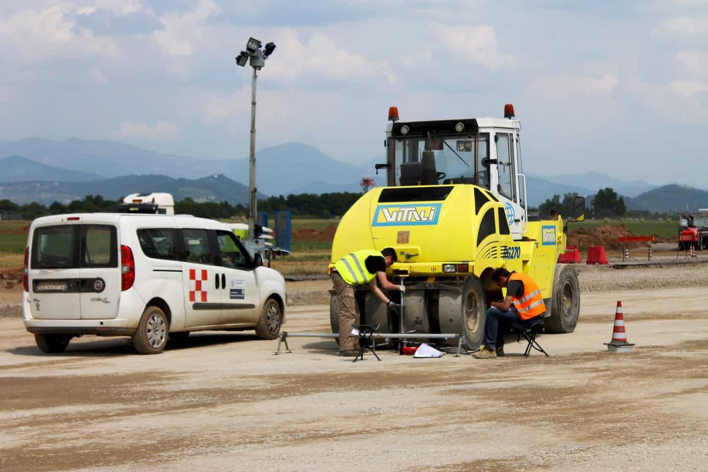Il Laboratorio Sperimentale Stradale del Politecnico di Milano durante le attività di controllo