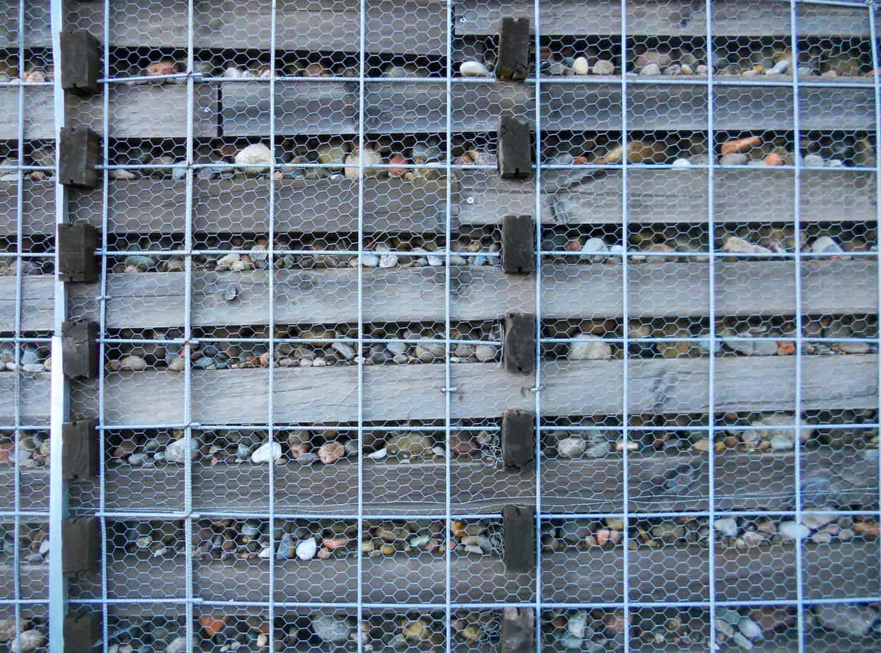 Intervento con reti metalliche sulle rampe di accesso