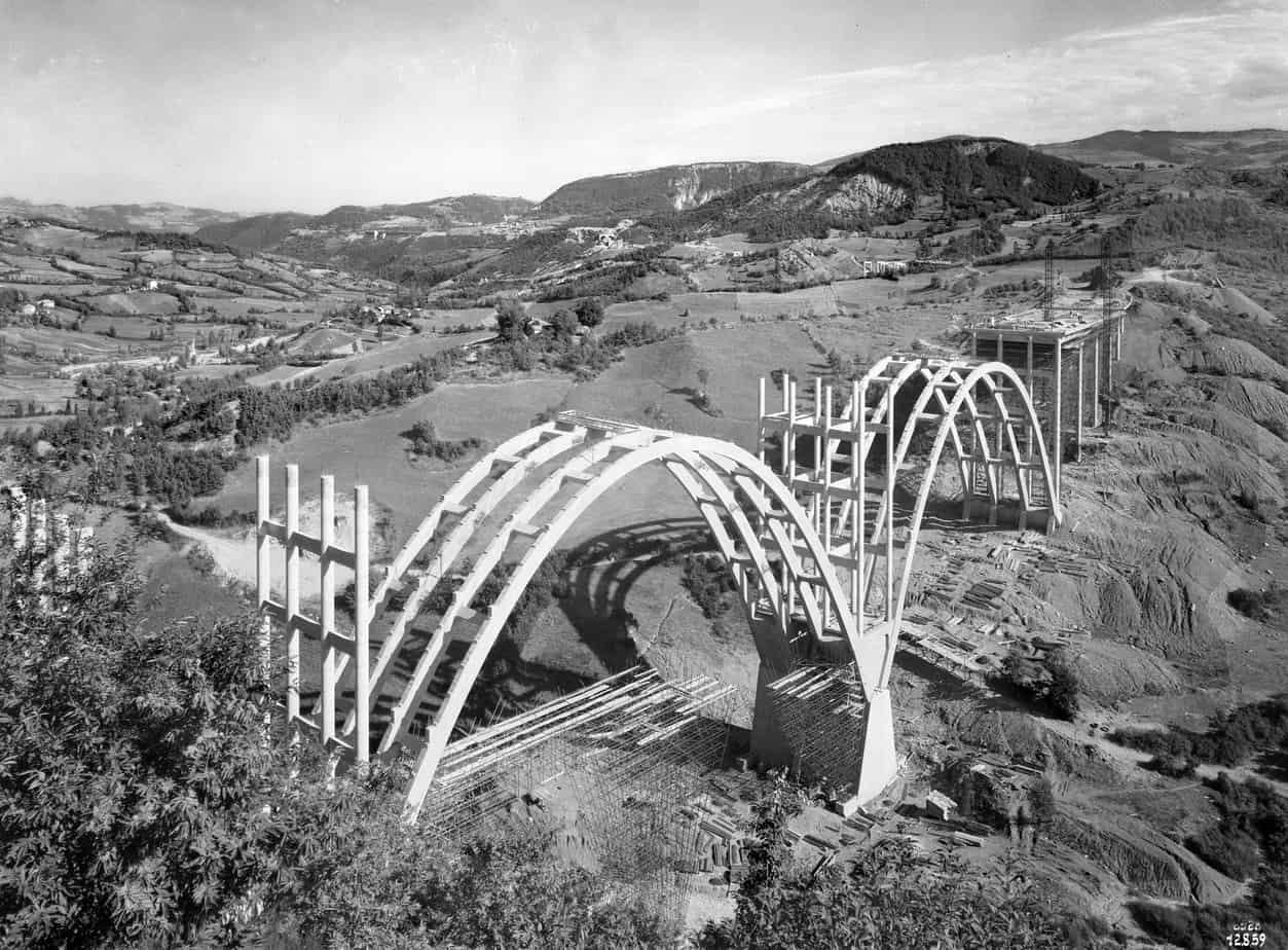 Il viadotto Merizzano tra Bologna e Firenze sulla Autostrada del Sole: Giulio Krall con l'Impresa Ferrobeton, cantiere del 1959