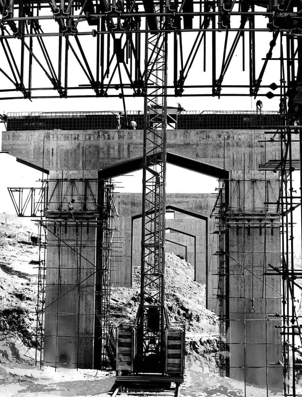 Il viadotto Bellosguardo tra Bologna e Firenze sulla Autostrada del Sole: Silvano Zorzi con l'Impresa Astaldi, cantiere del 1959