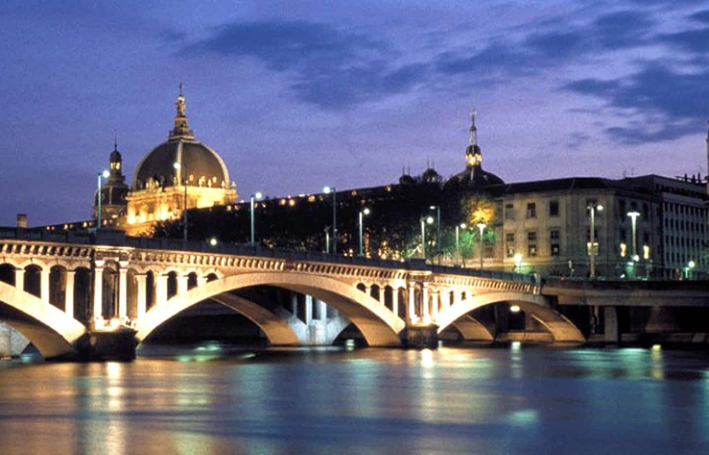 Il rifacimento del ponte in muratura a Lione