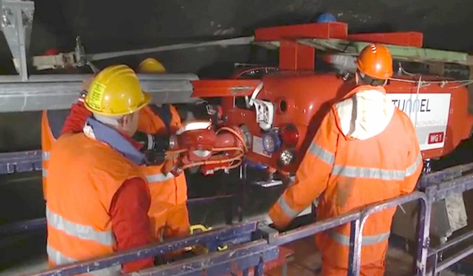 L'installazione del carrello con monitore mobile sulla monorotaia