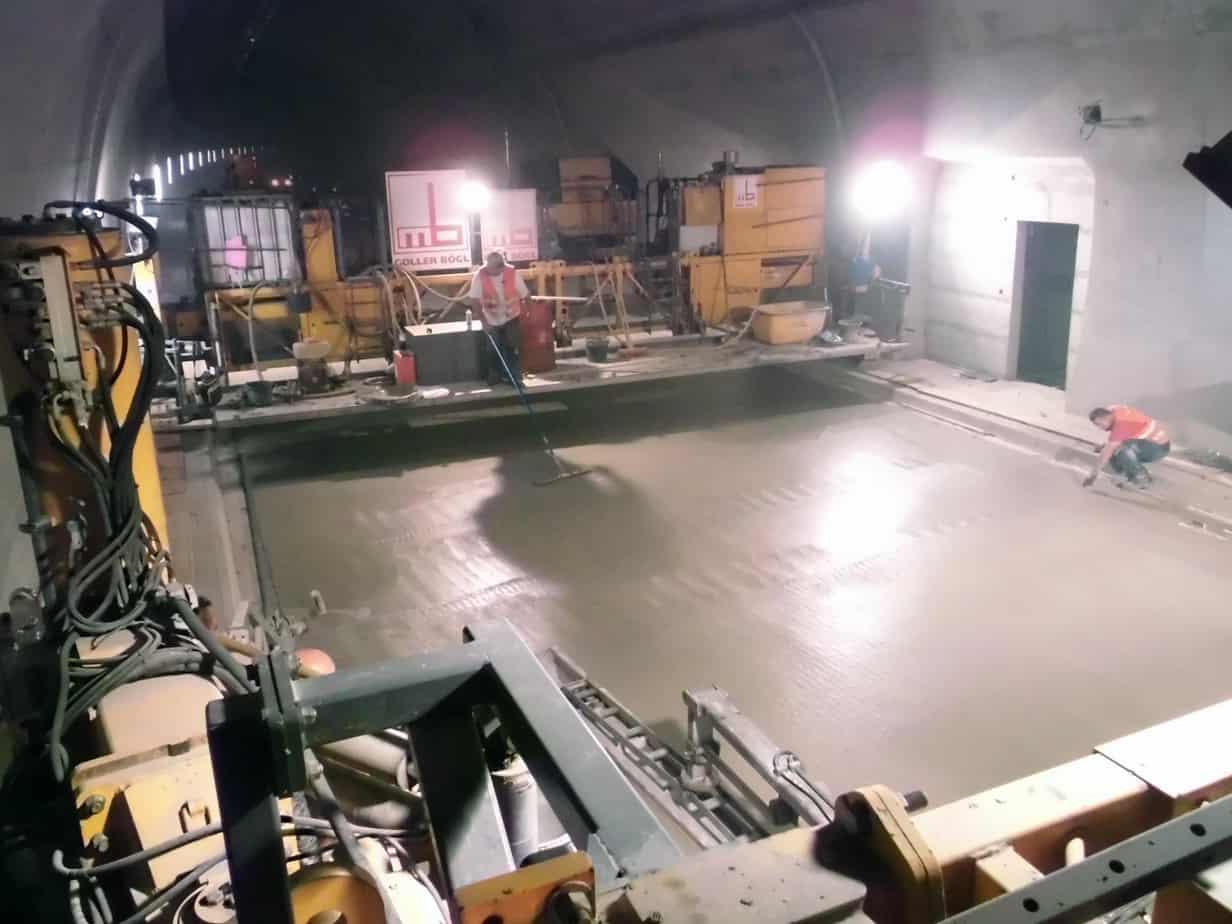 La superficie finita della pavimentazione ancora fresca